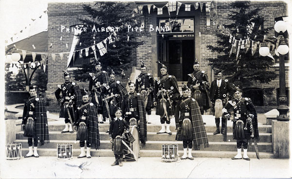 pa pipeband cityhall after1930600